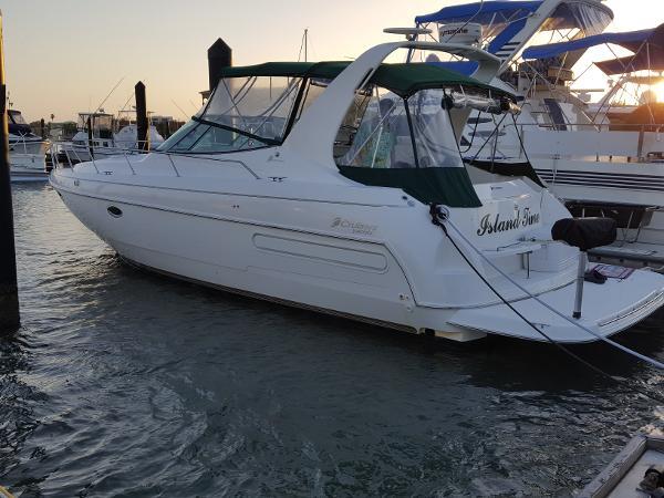 1998 35' Cruisers Yachts 3575 Esprit