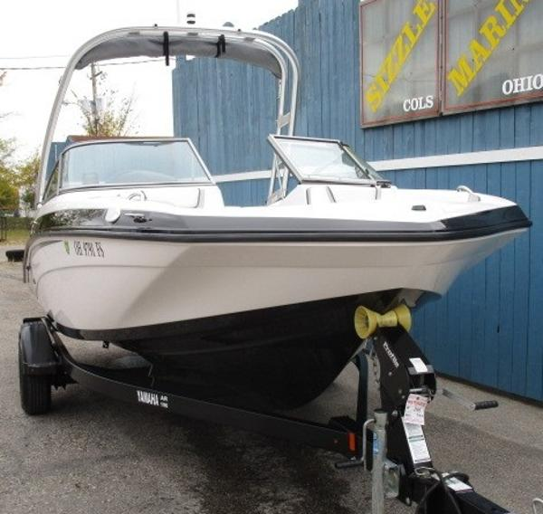 2017 Yamaha boat for sale, model of the boat is AR190 & Image # 2 of 24