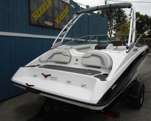 2017 Yamaha boat for sale, model of the boat is AR190 & Image # 4 of 24