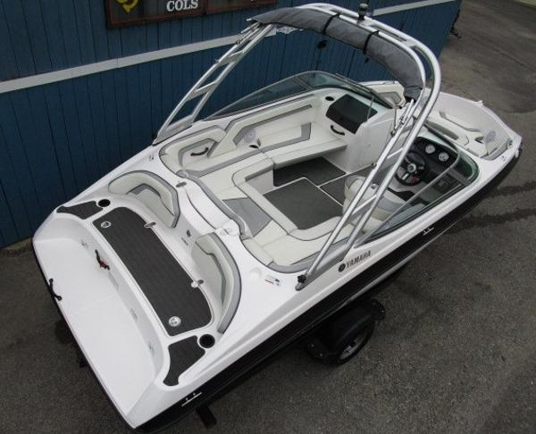 2017 Yamaha boat for sale, model of the boat is AR190 & Image # 6 of 24