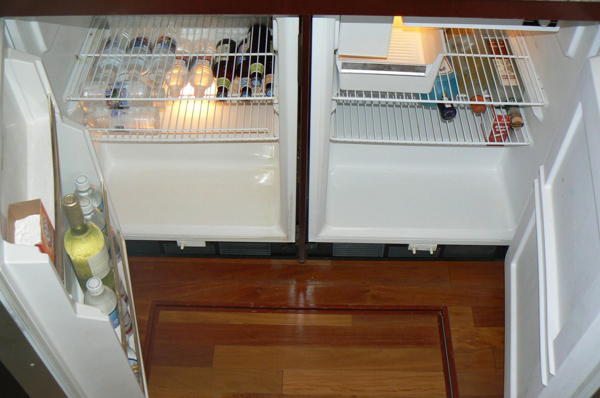 Refrigerator / Freezer 2