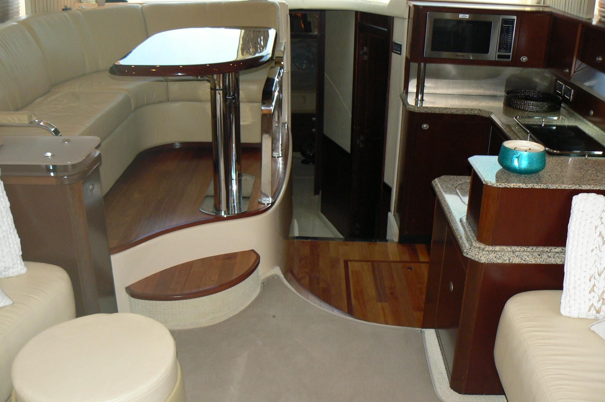 Dining / Galley