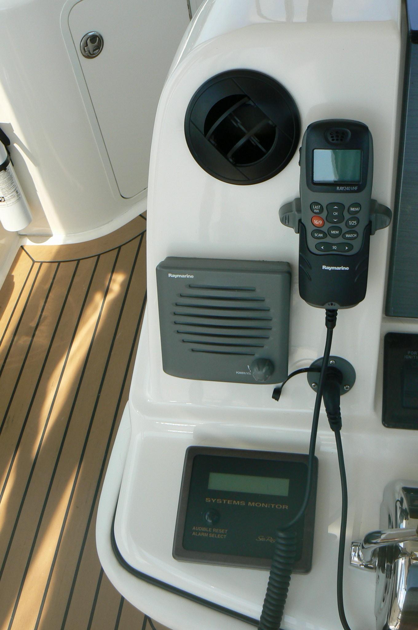 Raymarine VHF 2