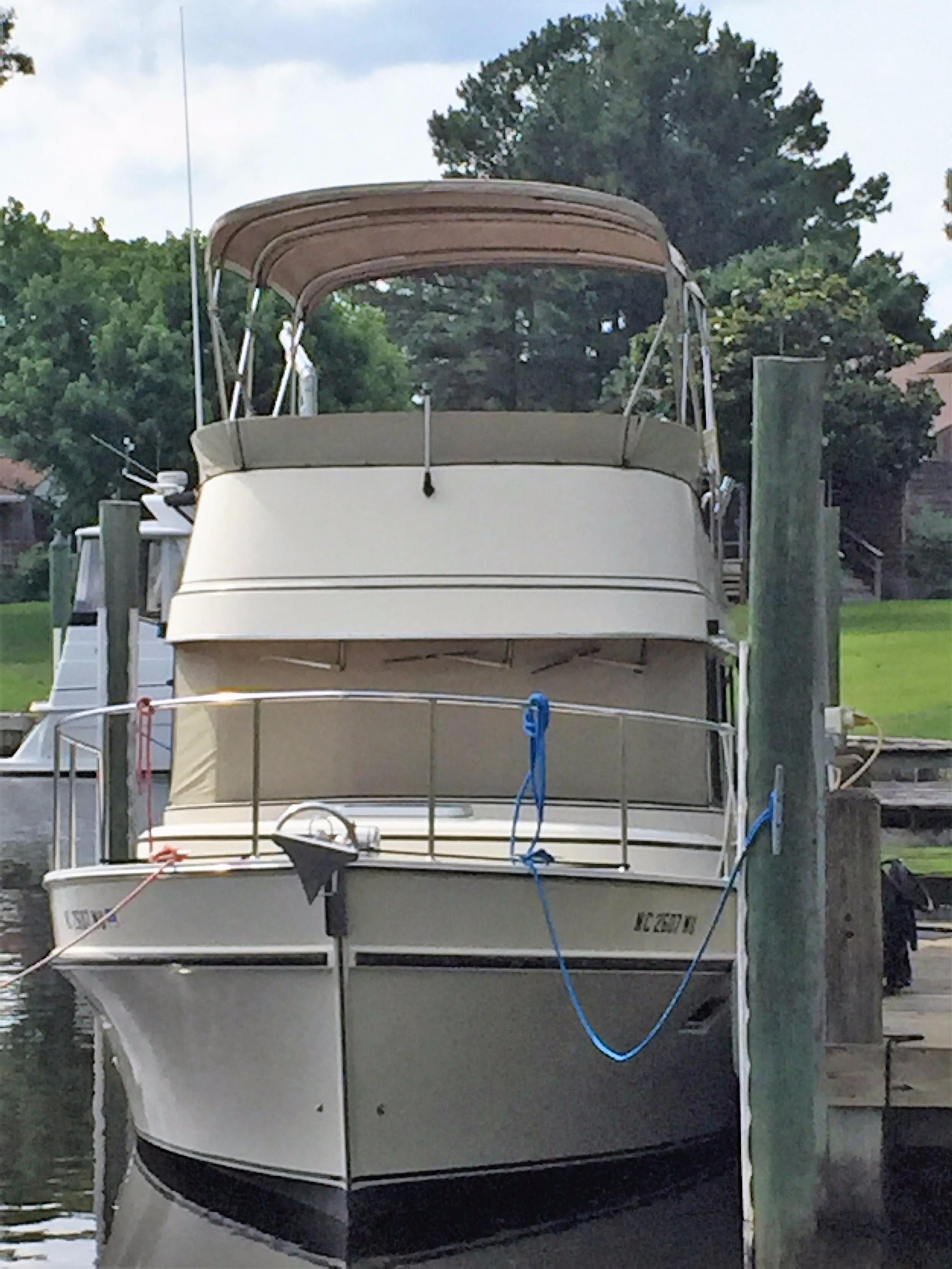 Dockside Bow View w/ Canvas Covers