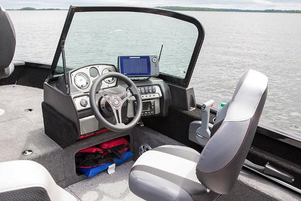 2021 Alumacraft boat for sale, model of the boat is Competitor 165 Sport & Image # 2 of 7