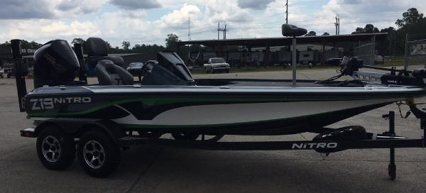 2020 Nitro boat for sale, model of the boat is Z19 Pro & Image # 3 of 10
