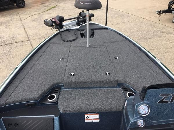 2020 Nitro boat for sale, model of the boat is Z19 Pro & Image # 8 of 10