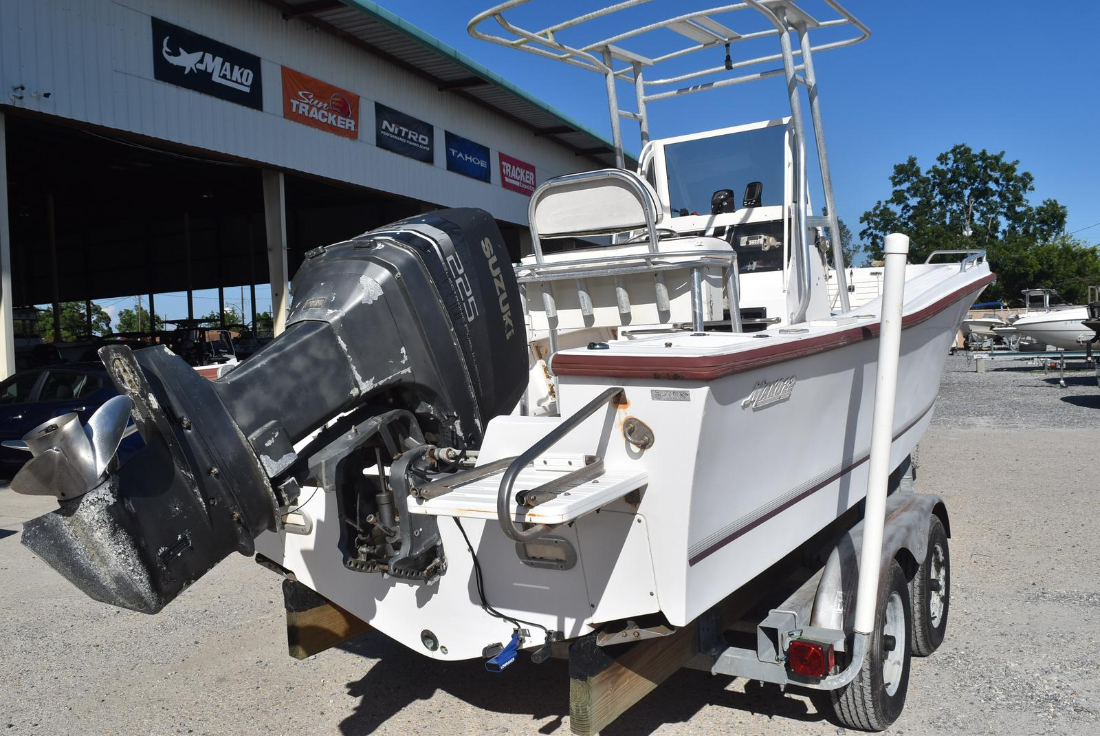 1996 Mako boat for sale, model of the boat is 22 Mako & Image # 11 of 26