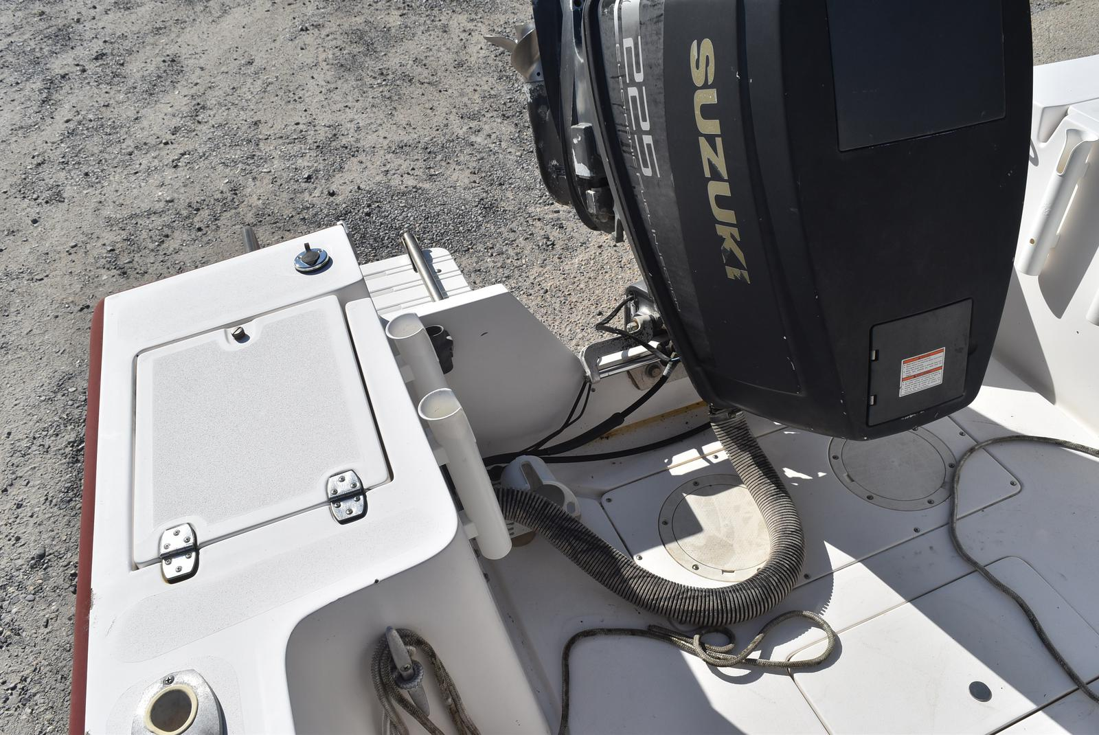 1996 Mako boat for sale, model of the boat is 22 Mako & Image # 13 of 26