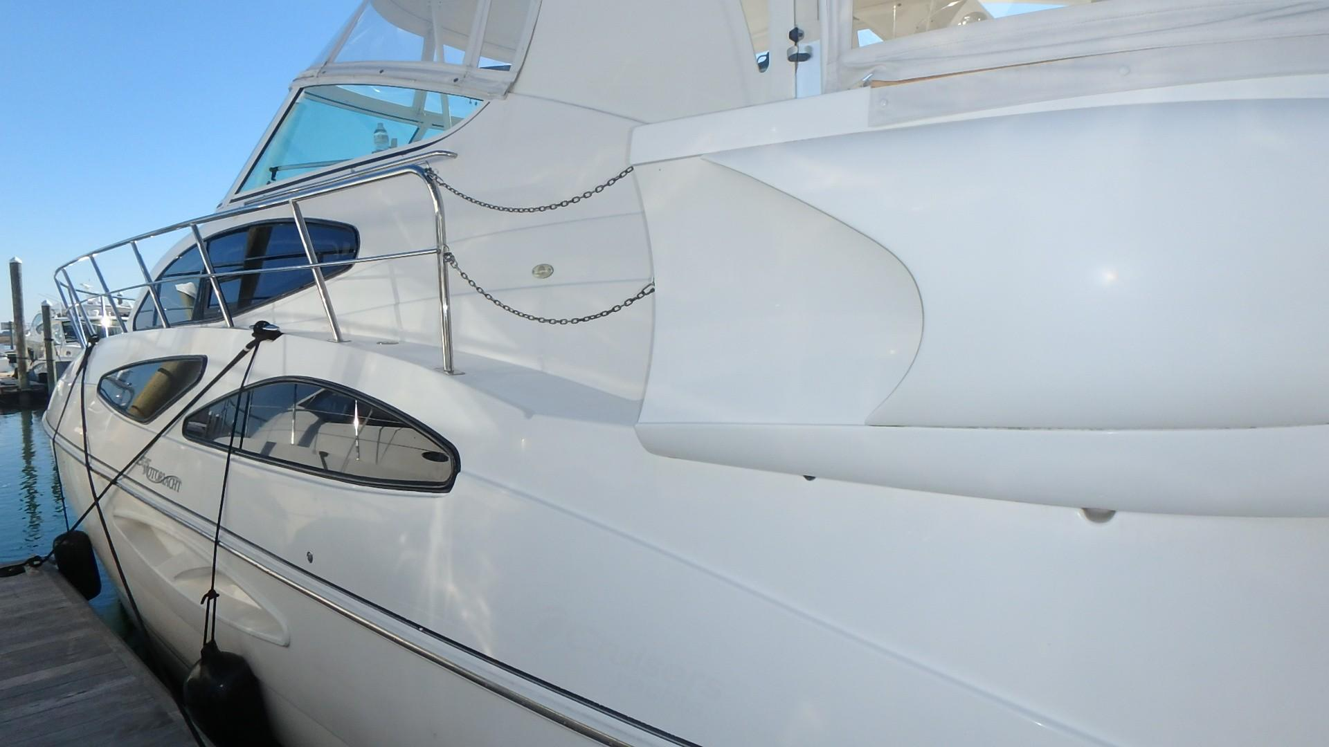 Cruisers Yachts 455 - One Love Port Side