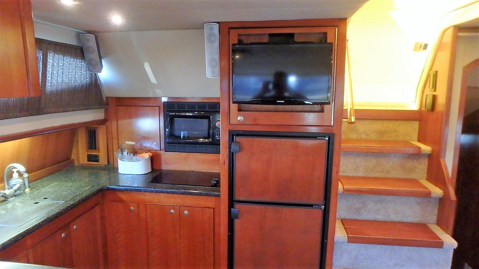 Cruisers Yachts 455 - Galley 3