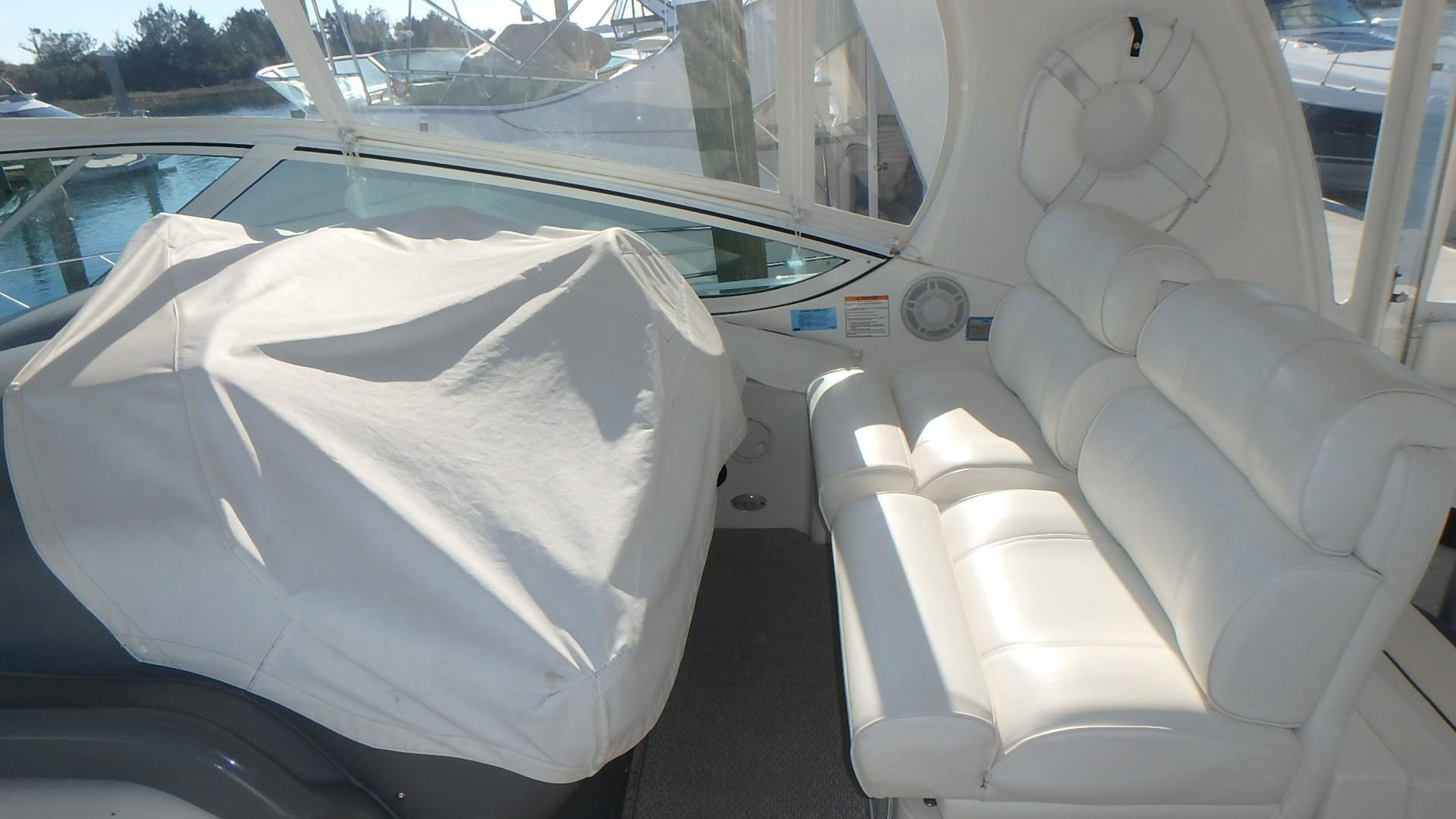 Cruisers Yachts 455 - Helm Cover