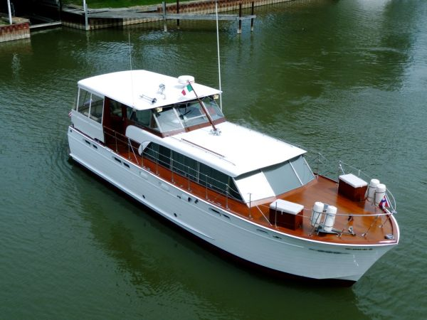 Chris Craft - 50 Constellation Motor Yachts. Listing Number: M-3487314