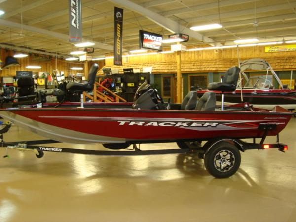 2021 Tracker Boats boat for sale, model of the boat is Pro Team 175 TXW® Tournament Ed. & Image # 2 of 20