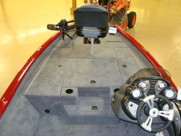 2021 Tracker Boats boat for sale, model of the boat is Pro Team 175 TXW® Tournament Ed. & Image # 9 of 20