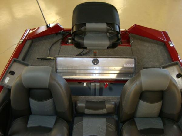 2021 Tracker Boats boat for sale, model of the boat is Pro Team 175 TXW® Tournament Ed. & Image # 18 of 20