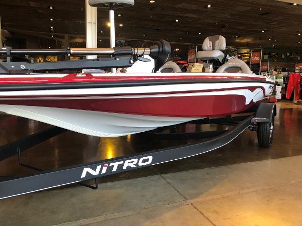 2021 Nitro boat for sale, model of the boat is Z17 & Image # 1 of 30