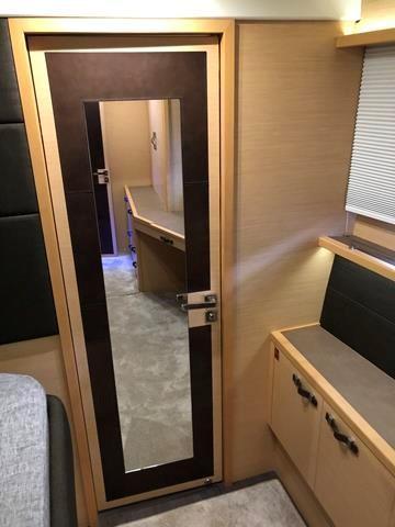 Mastr cabin desk