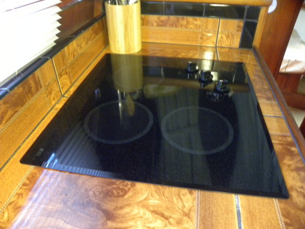 Counter Top & Cabinets