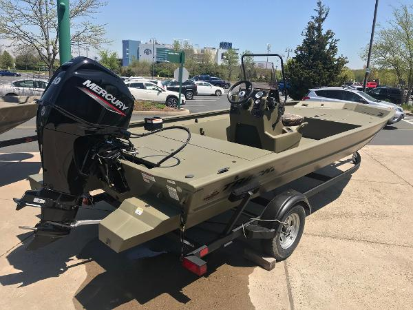 2020 Tracker Boats boat for sale, model of the boat is Grizzly 1860 CC & Image # 2 of 32