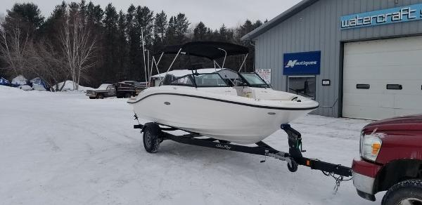 2019 Sea Ray boat for sale, model of the boat is SPX 190 OB & Image # 3 of 29