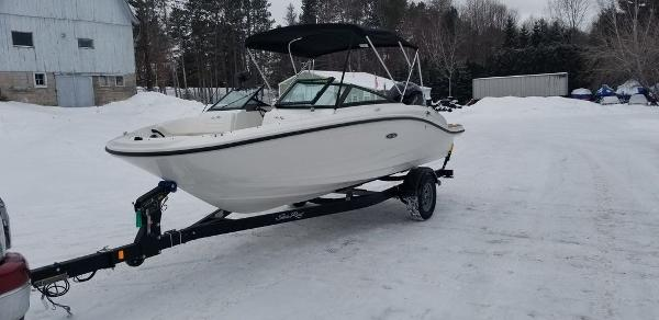 2019 Sea Ray boat for sale, model of the boat is SPX 190 OB & Image # 4 of 29