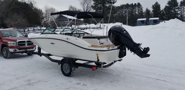 2019 Sea Ray boat for sale, model of the boat is SPX 190 OB & Image # 6 of 29