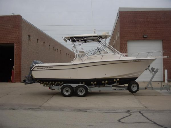 Grady White 265 Express Sports Fishing Boats. Listing Number: M-3307343
