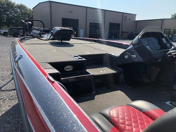 2016 Triton boat for sale, model of the boat is 21 TRX & Image # 4 of 9