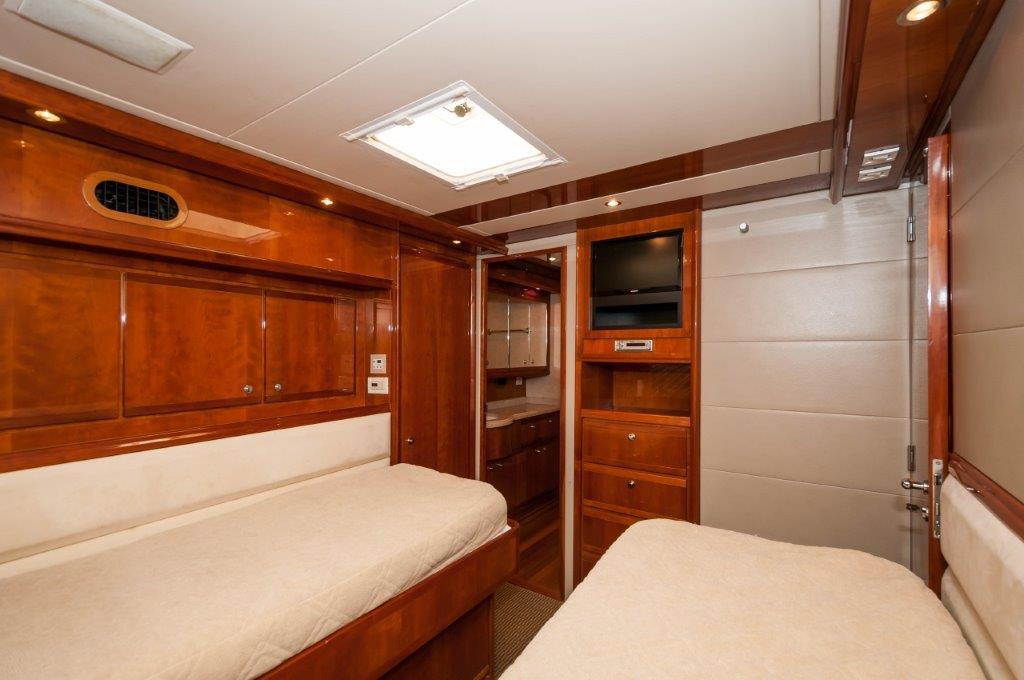Guest Stateroom (2)