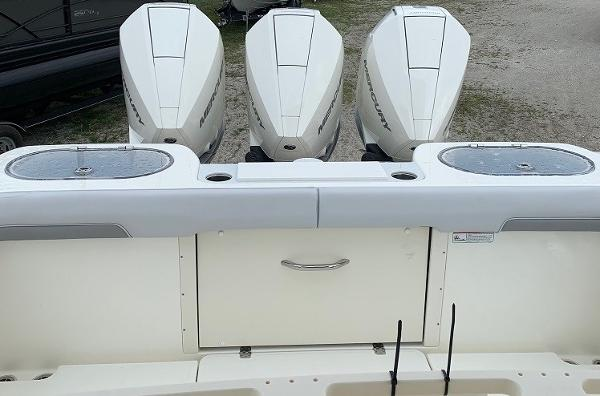2019 Mako boat for sale, model of the boat is 334 CC Family Edition & Image # 38 of 165