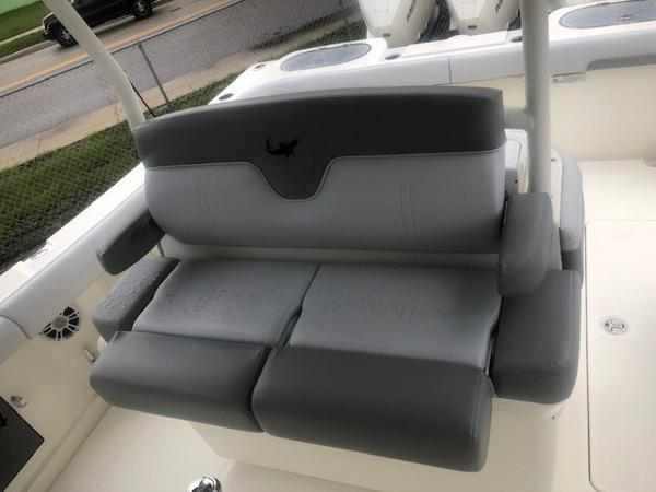 2019 Mako boat for sale, model of the boat is 334 CC Family Edition & Image # 78 of 165