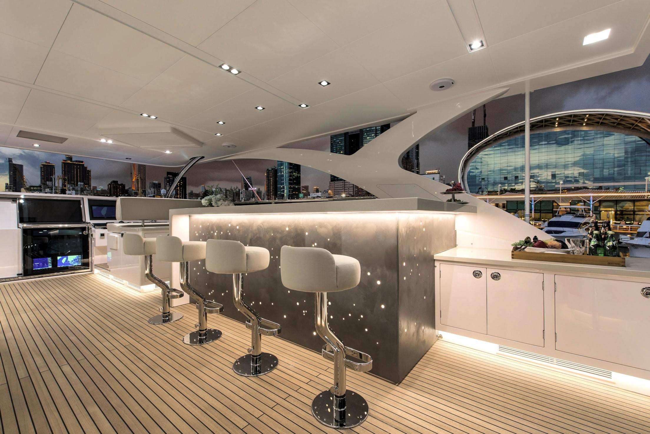Flybridge Bar/Seating