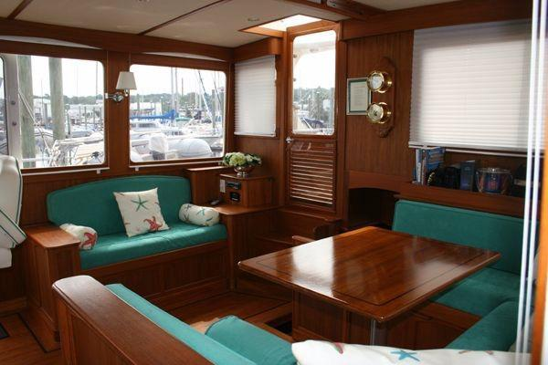 salon, view to starboard
