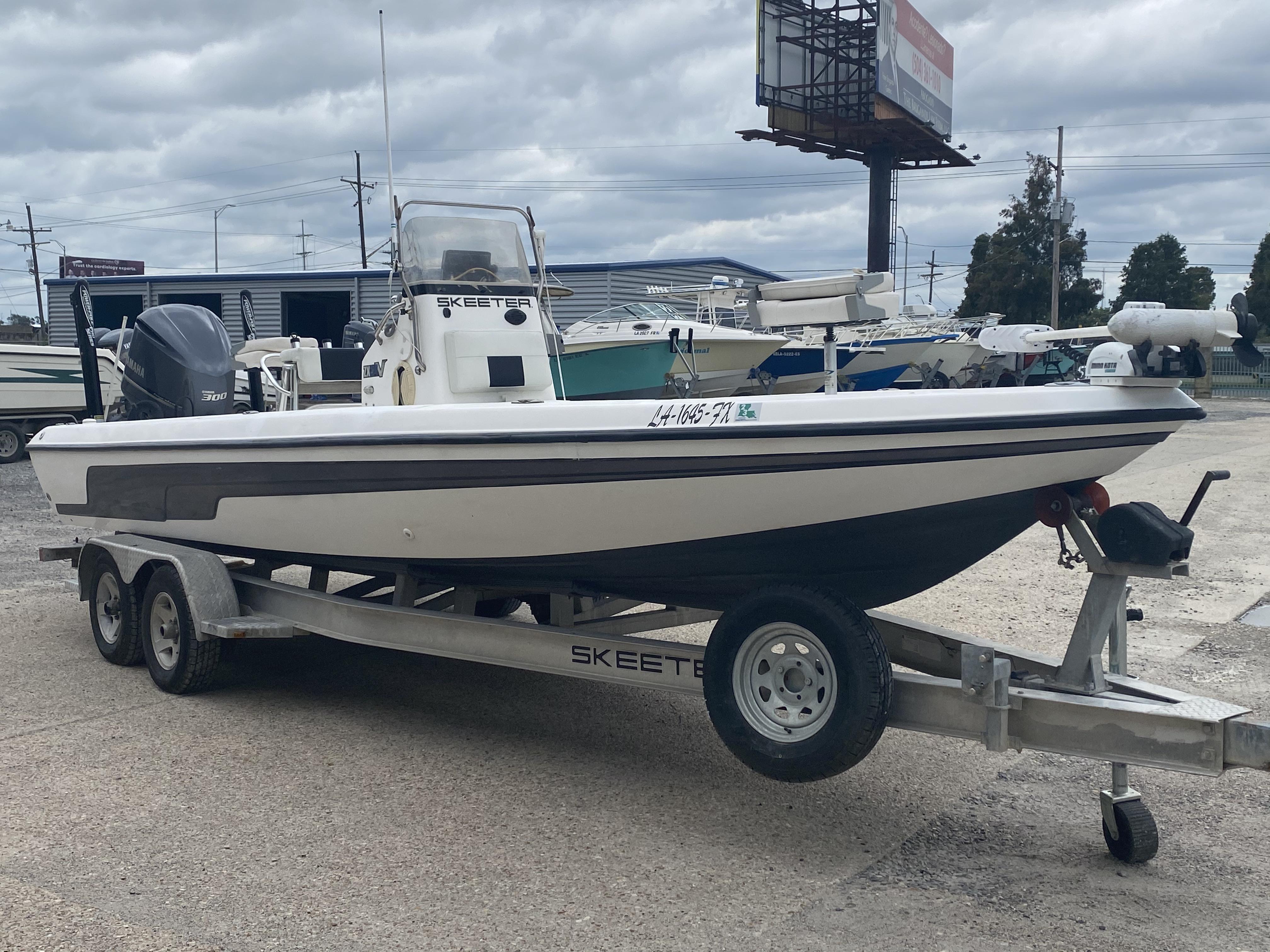 2010 Skeeter boat for sale, model of the boat is ZX 24V & Image # 2 of 18