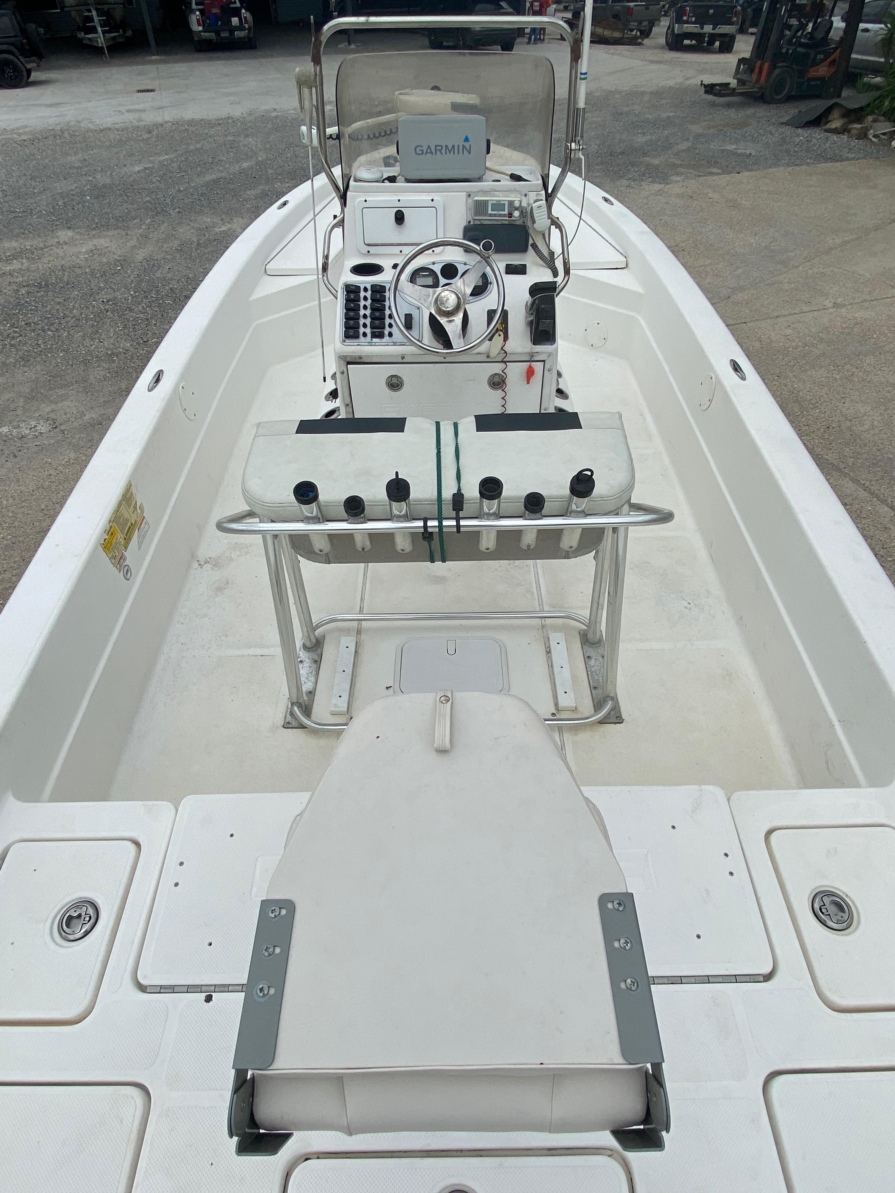 2010 Skeeter boat for sale, model of the boat is ZX 24V & Image # 3 of 18
