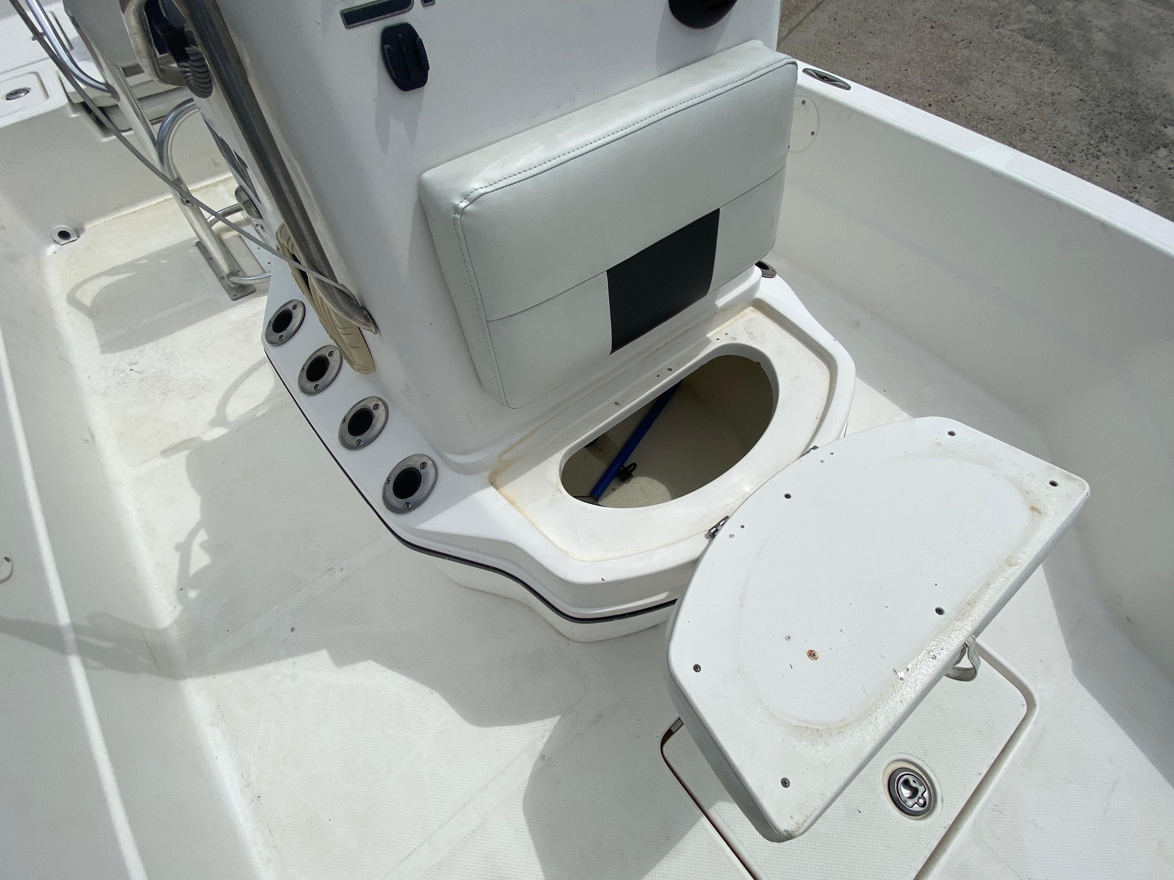 2010 Skeeter boat for sale, model of the boat is ZX 24V & Image # 5 of 18