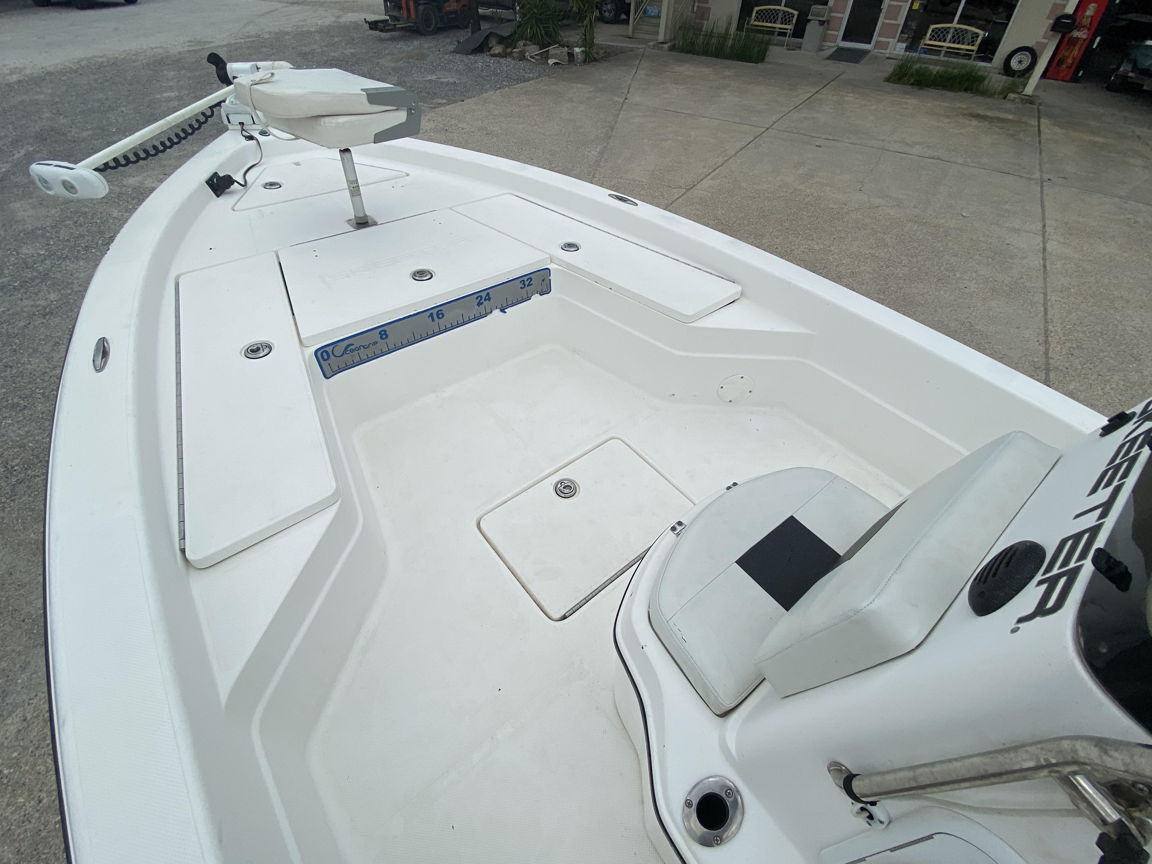 2010 Skeeter boat for sale, model of the boat is ZX 24V & Image # 8 of 18