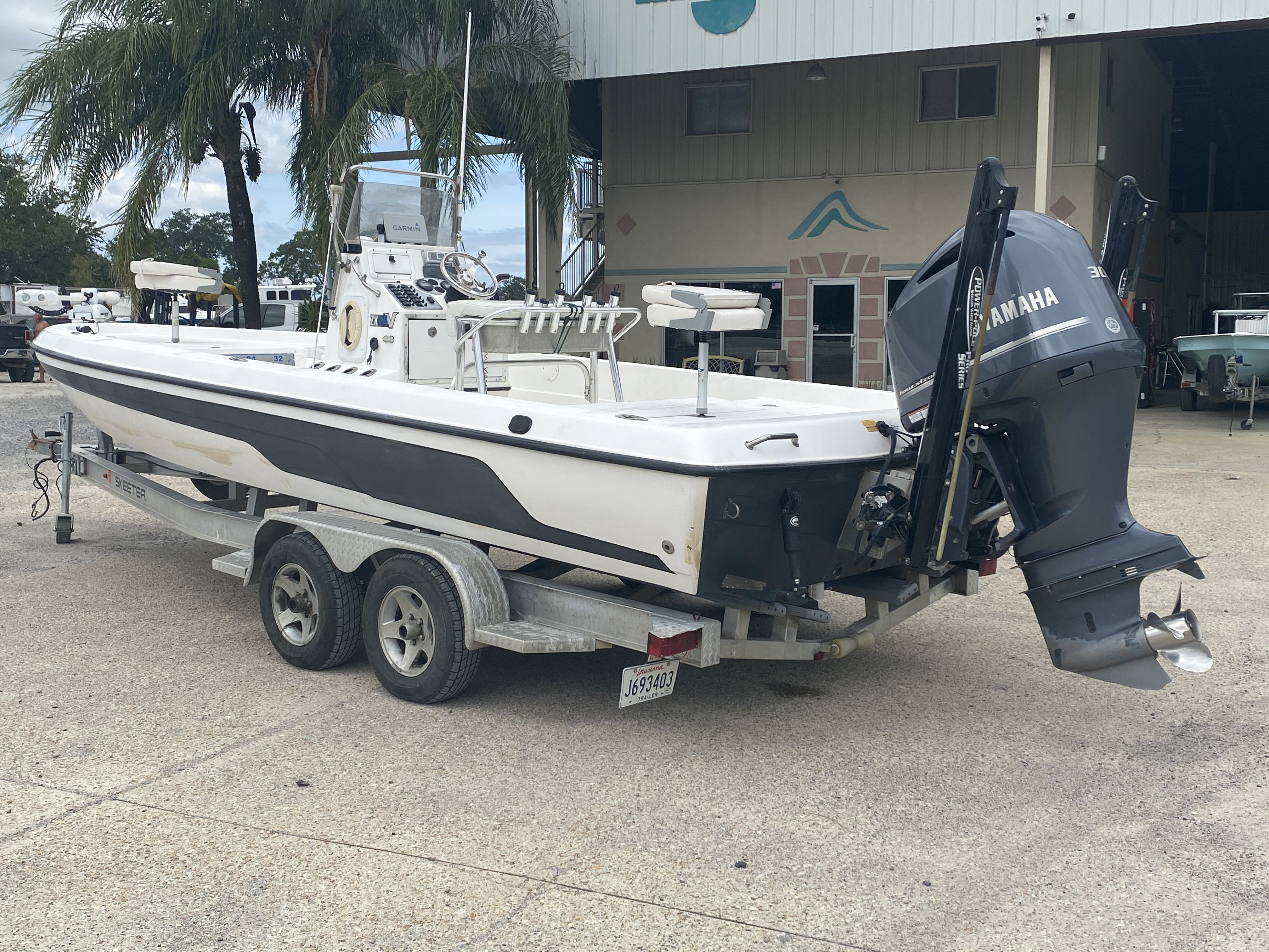 2010 Skeeter boat for sale, model of the boat is ZX 24V & Image # 11 of 18