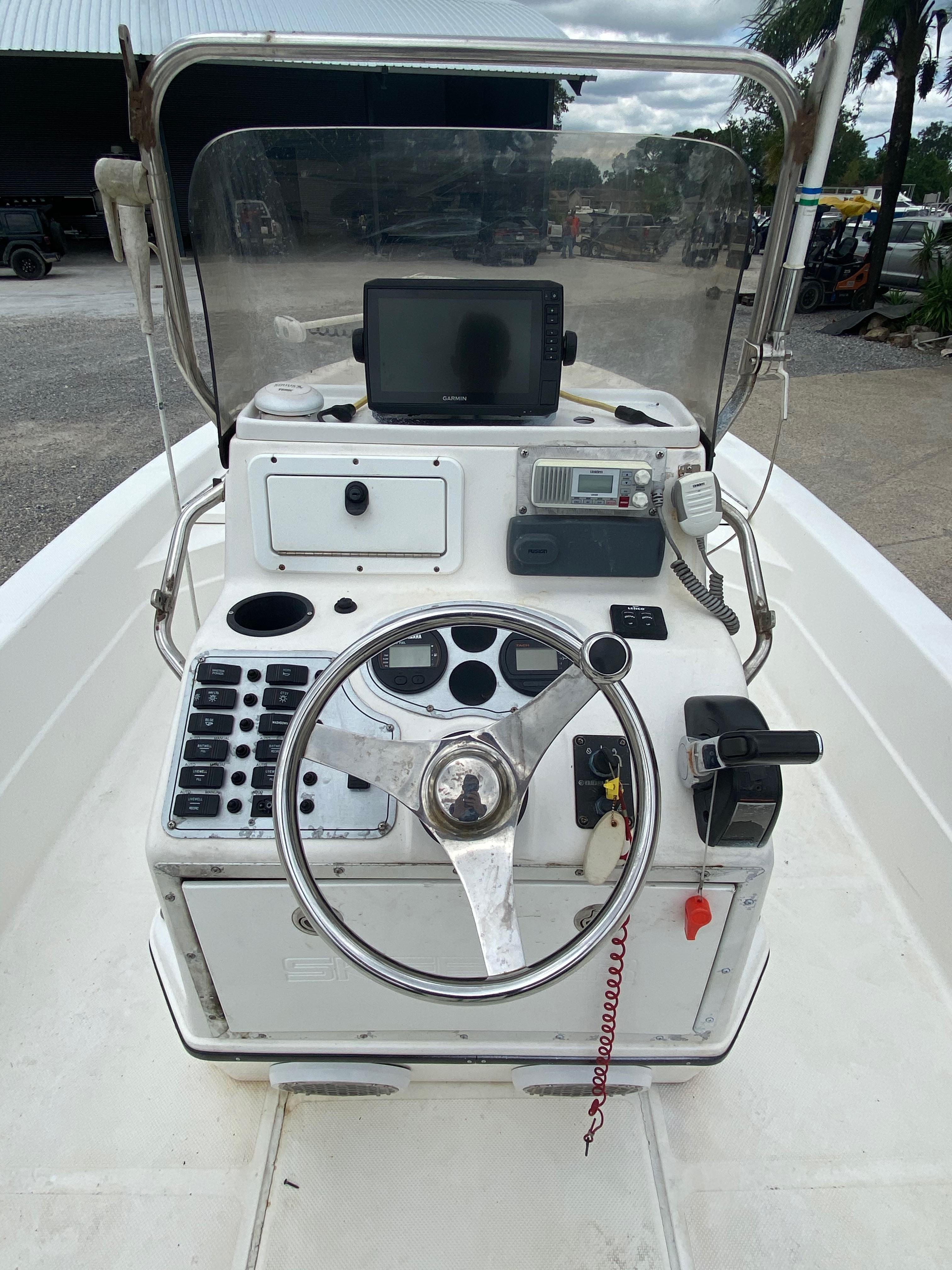 2010 Skeeter boat for sale, model of the boat is ZX 24V & Image # 13 of 18