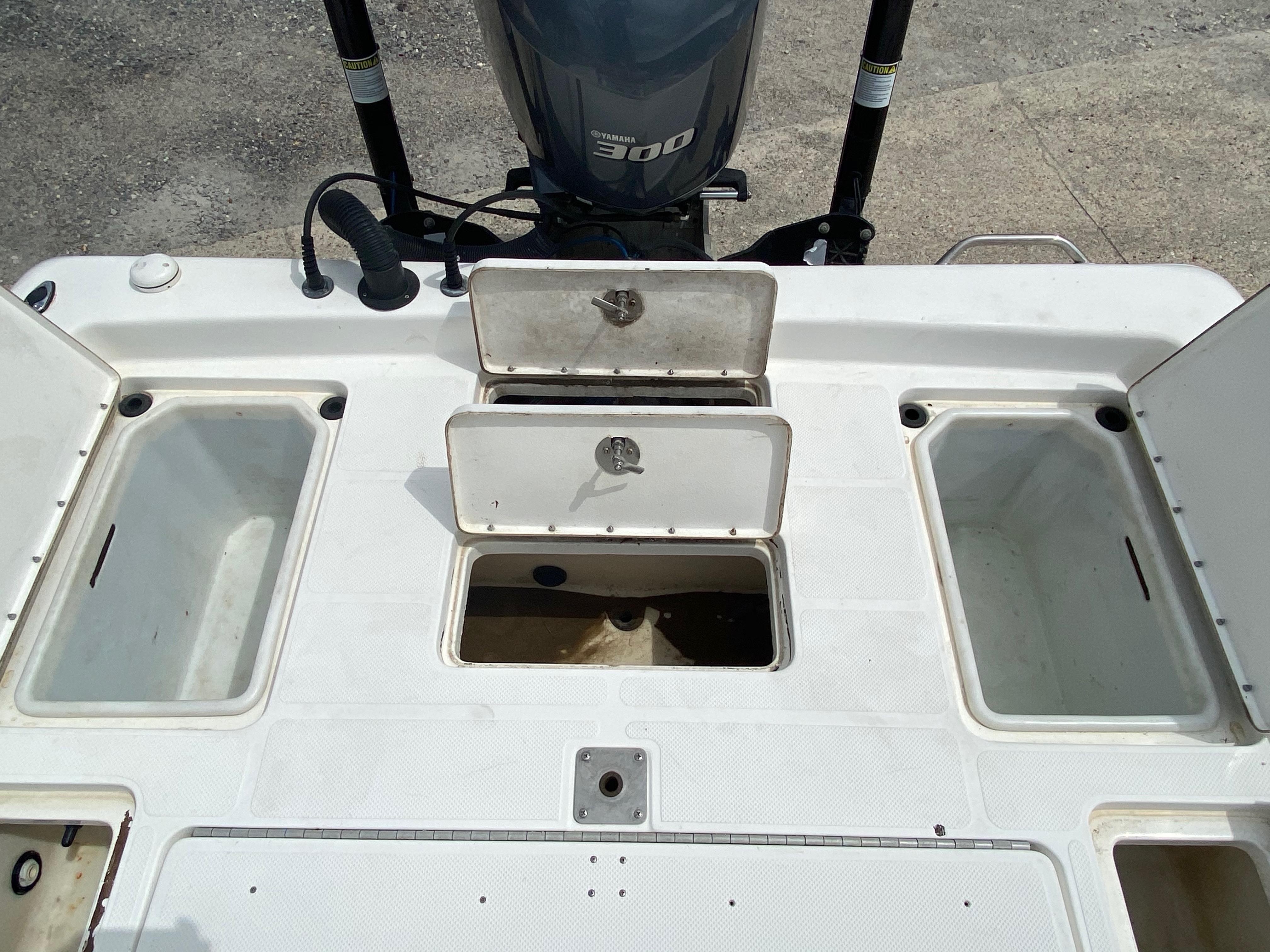 2010 Skeeter boat for sale, model of the boat is ZX 24V & Image # 15 of 18