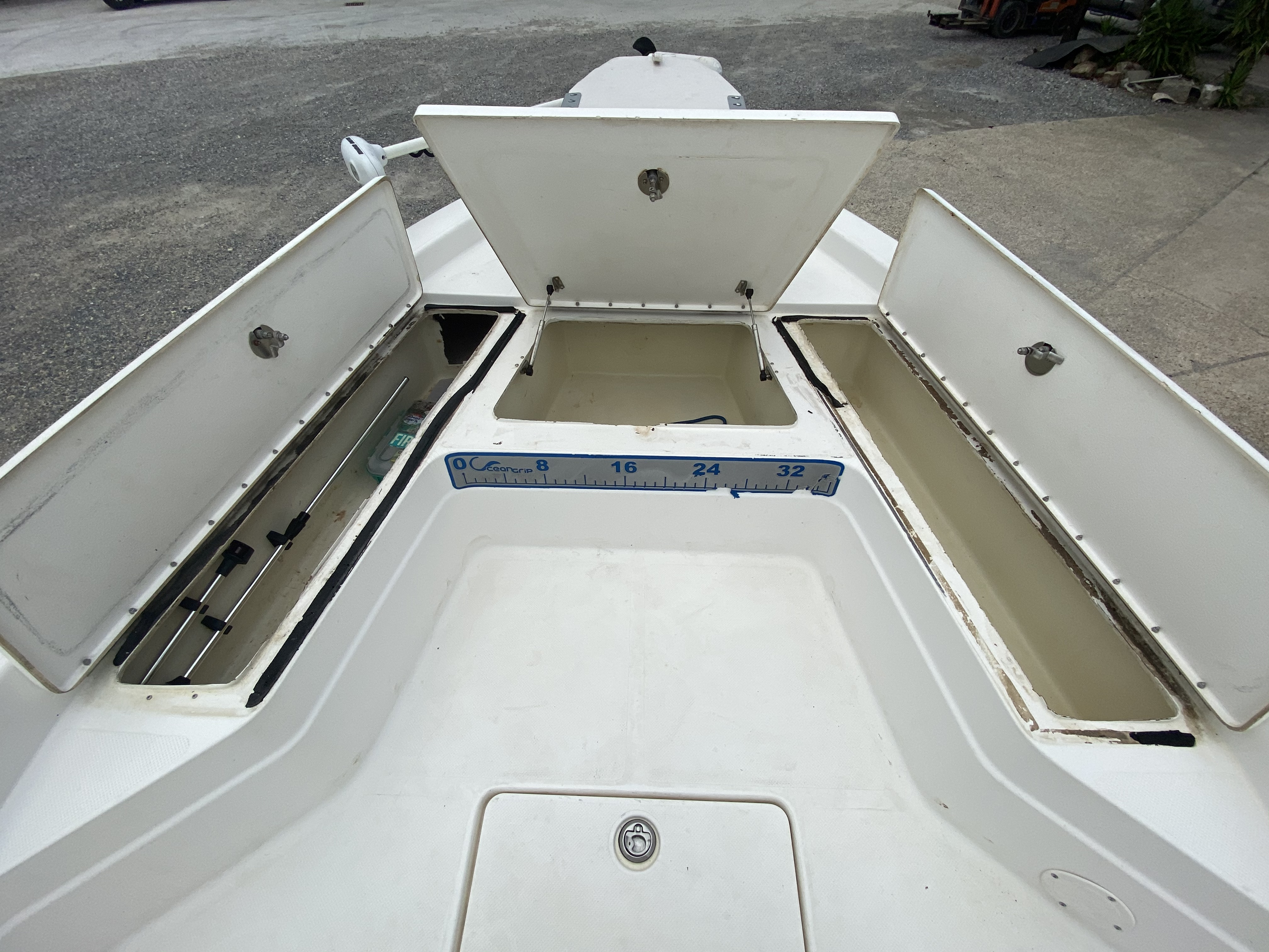 2010 Skeeter boat for sale, model of the boat is ZX 24V & Image # 9 of 18