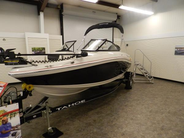 2017 Tahoe boat for sale, model of the boat is 550 TF & Image # 2 of 32