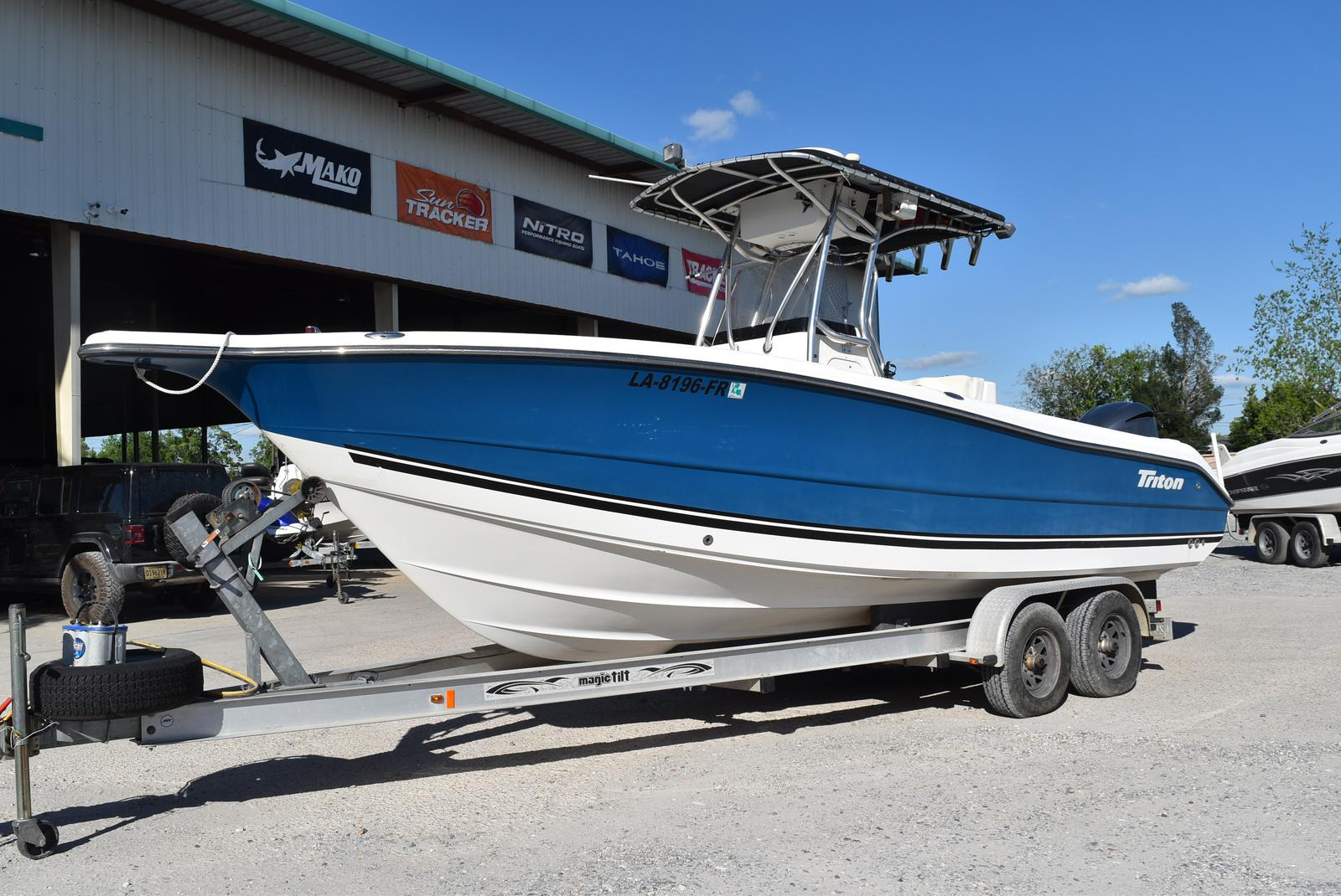 2006 Triton boat for sale, model of the boat is 2486 & Image # 1 of 24