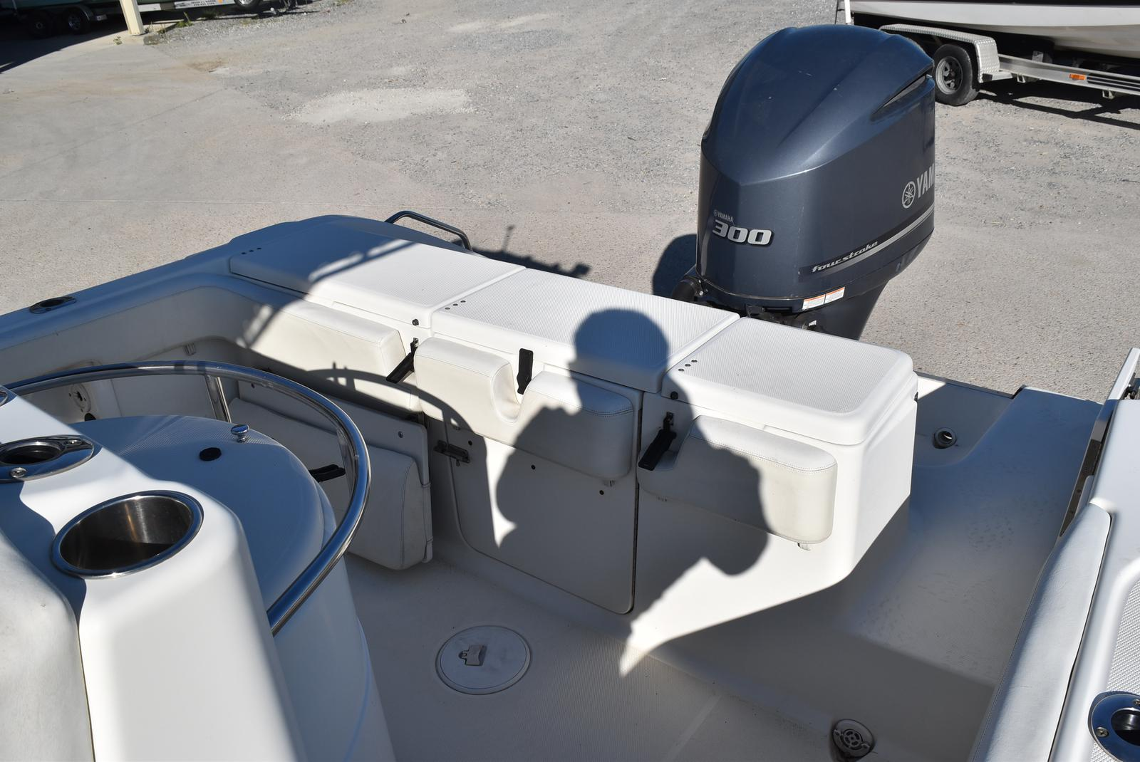 2006 Triton boat for sale, model of the boat is 2486 & Image # 12 of 24