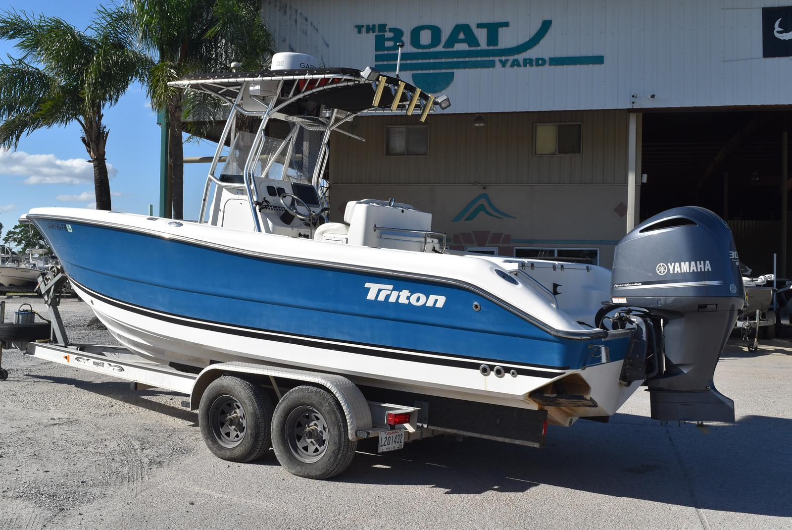 2006 Triton boat for sale, model of the boat is 2486 & Image # 15 of 24