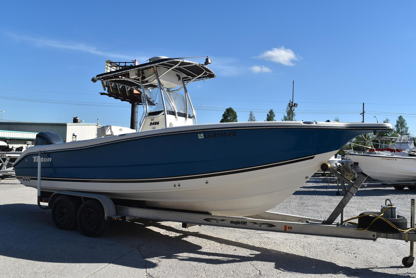 2006 Triton boat for sale, model of the boat is 2486 & Image # 16 of 24