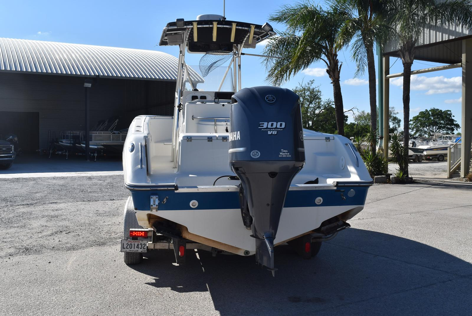 2006 Triton boat for sale, model of the boat is 2486 & Image # 2 of 24