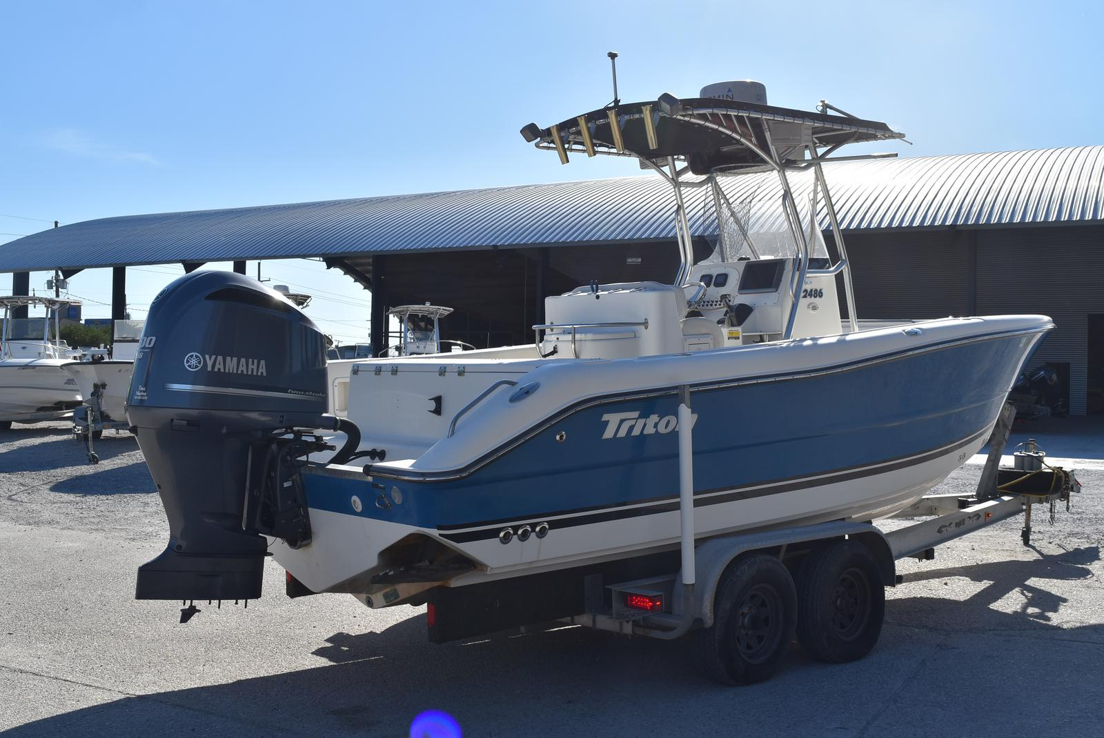 2006 Triton boat for sale, model of the boat is 2486 & Image # 3 of 24