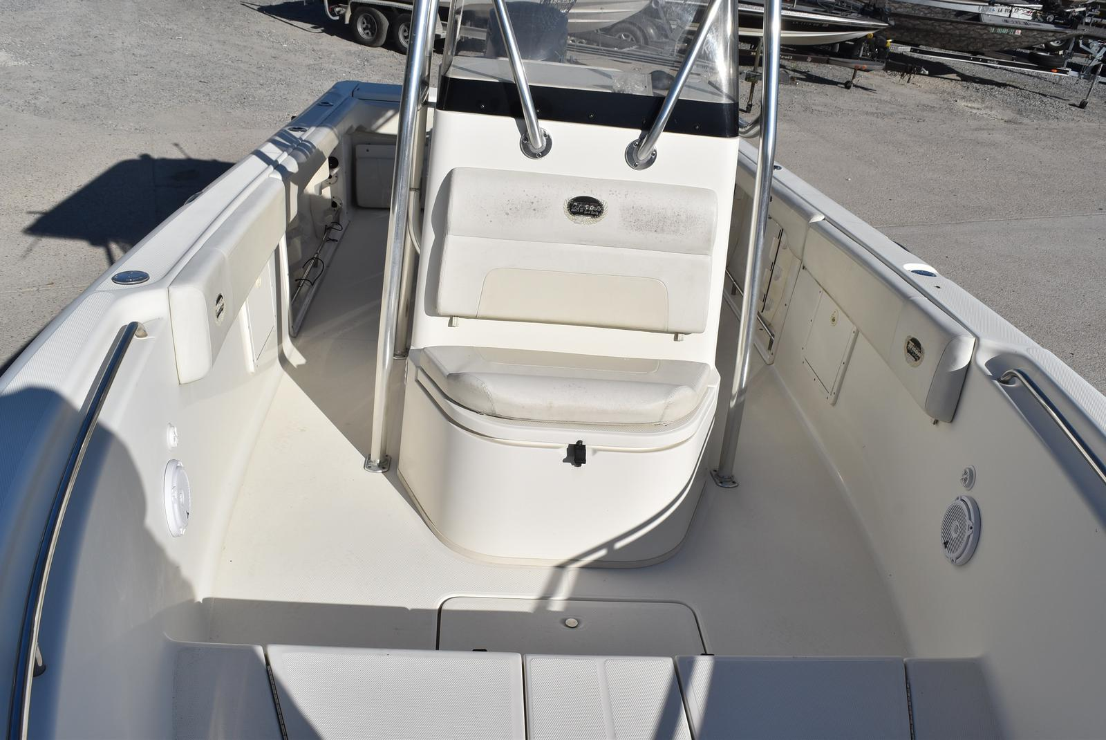 2006 Triton boat for sale, model of the boat is 2486 & Image # 6 of 24